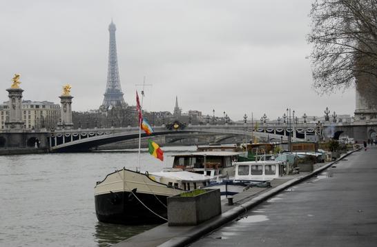 Immobilier à Paris, la tendance est aux houseboats